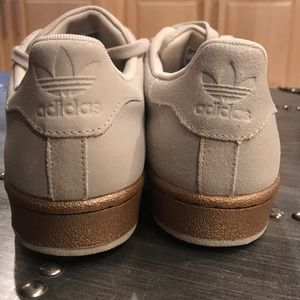 le adidas superstar shell capi poshmark